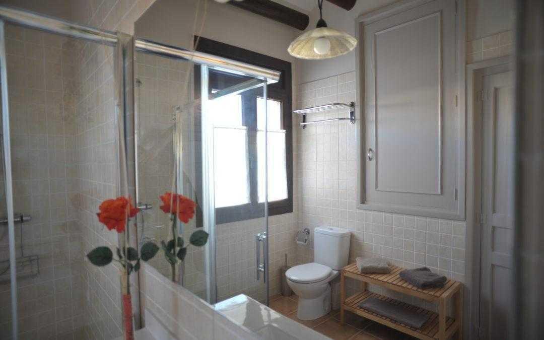 The bathrooms of Cal Ton Cruset